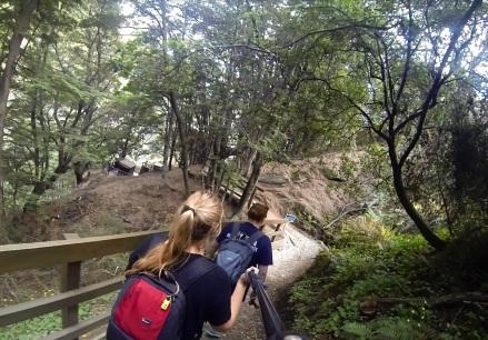 walking to canyon swing2